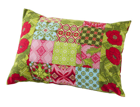 img_patchworkpillowlg_1.jpg