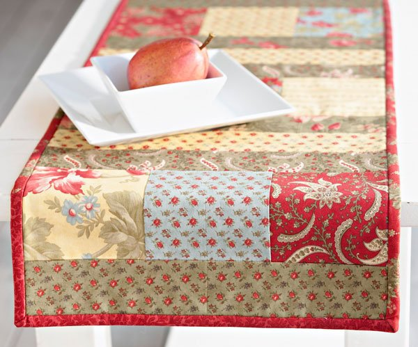 Charming Floral Table Runner