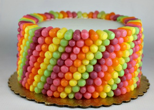 mike-and-ike-candy-cake-photo-by-melissa-kaye-650x465