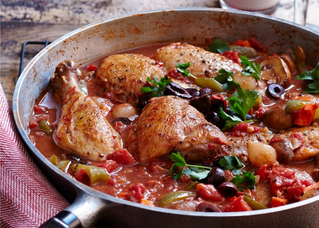 Chicken with peppers in tomato sauce