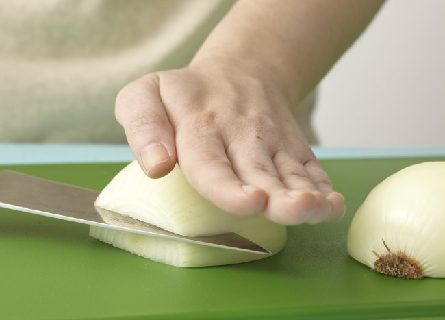 101913164_Slicing-through-onion-before-chop_Photo-by-Meredith.jpg