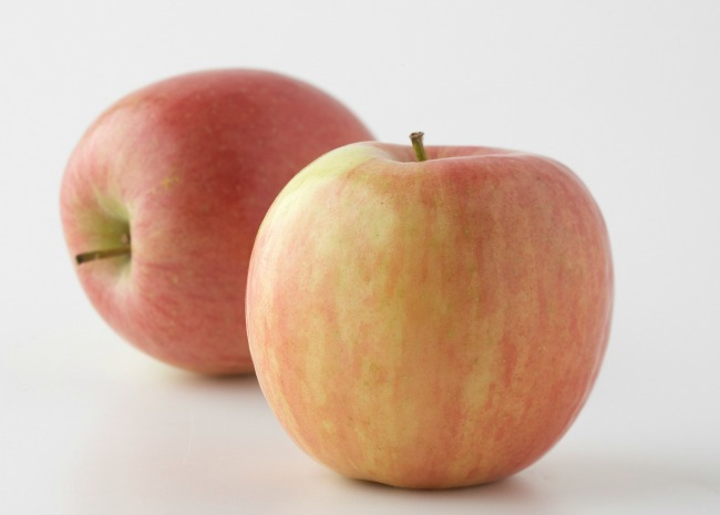 101538873-Fuji-Apples-Photo-by-Meredith-resized.jpg