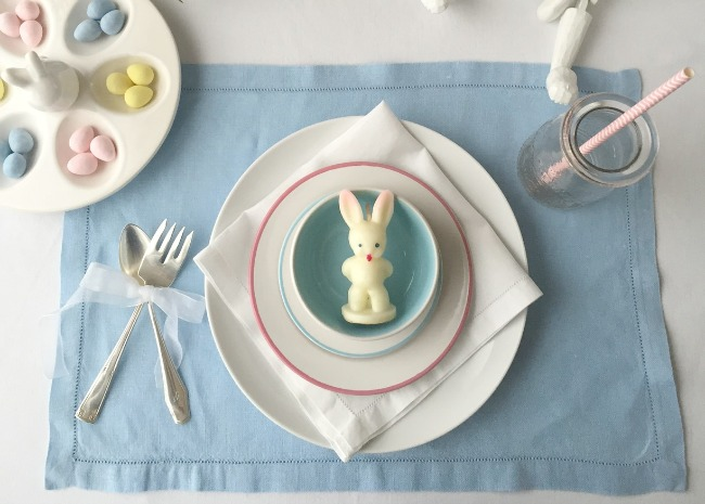 baby-bunny-kids-place-setting-photo-by-vanessa-greaves-650x465