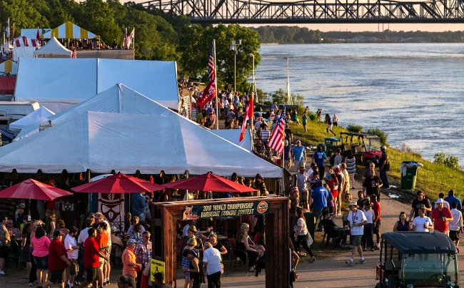 FridayRiverCrowd memphis in may