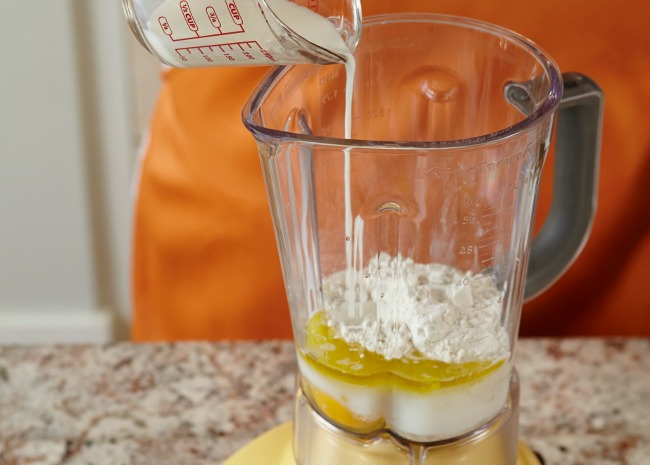 102328037-use-a-blender-to-mix-the-batter-photo-by-meredith-650x465