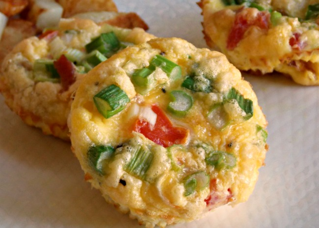 1090163-tomatoes-and-bacon-egg-muffins-photo-by-bakingnana-650x465