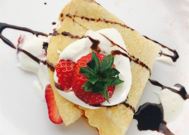 4146370-crepes-photo-by-gravlyn-650x465
