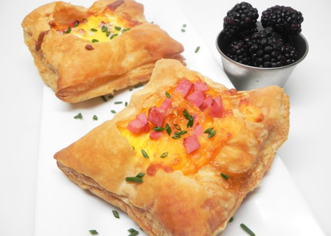 Air Fryer Breakfast Toad-in-the-Hole Tarts