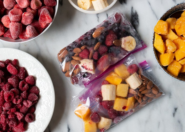 prepped smoothie ingredients in bags