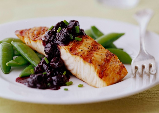 Grilled Salmon and Blueberry Sauce