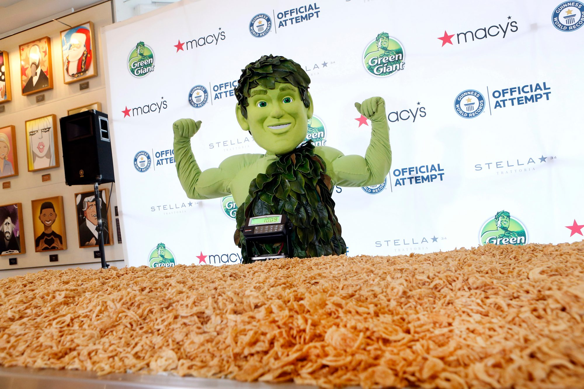 This Half-Ton Green Bean Casserole Just Broke the Guinness World Record