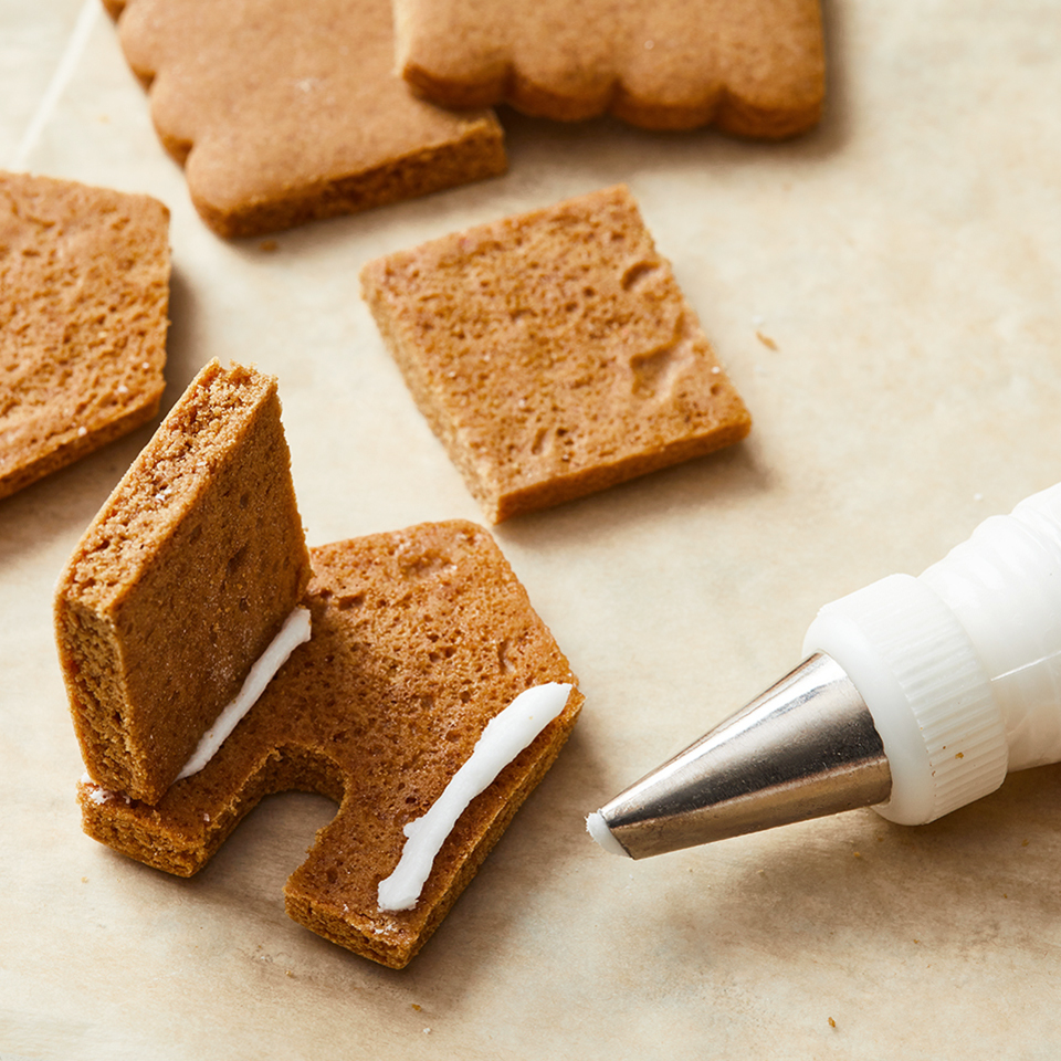 how to assemble mini gingerbread houses