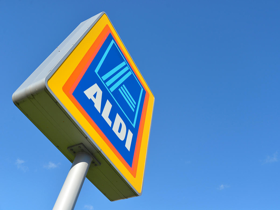 aldi food market sign