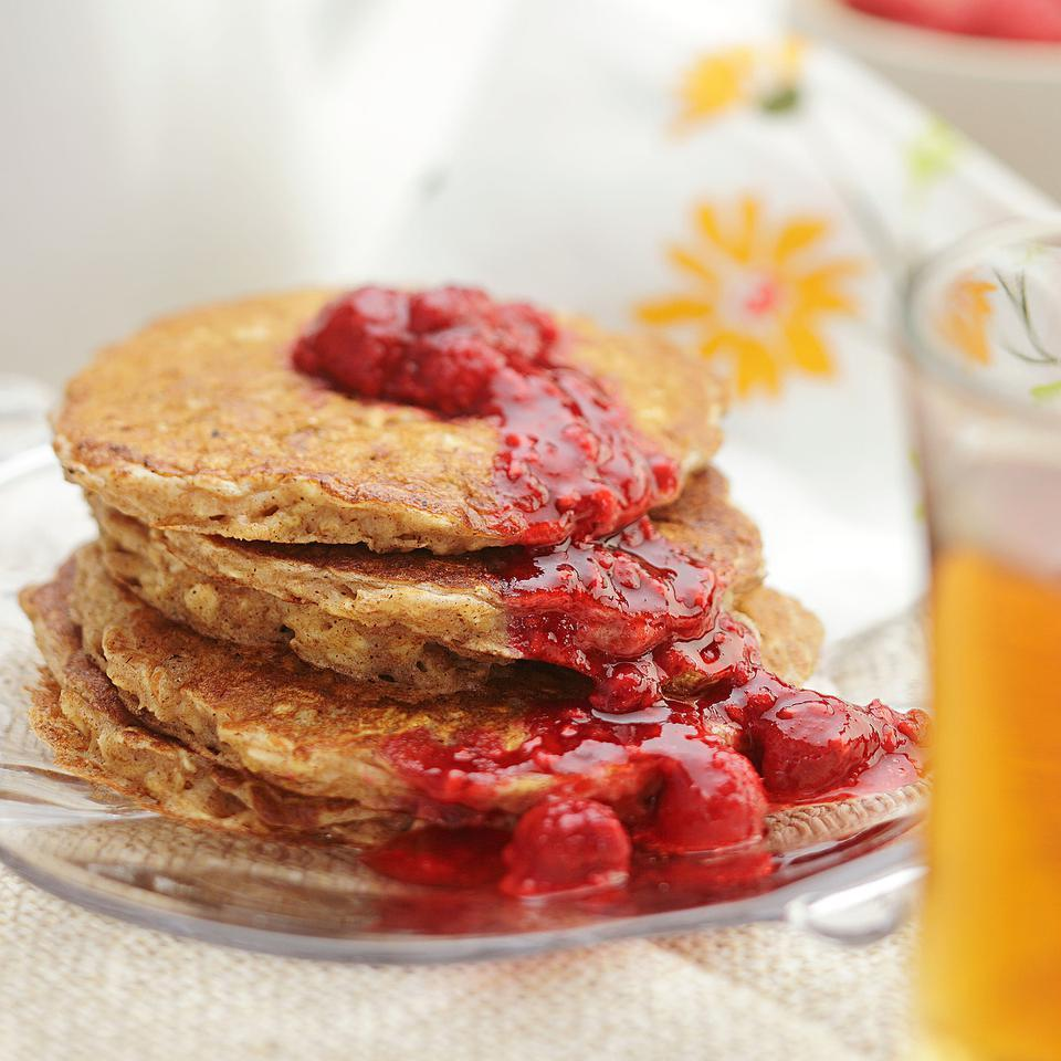 Buttermilk Oatcakes with Raspberry Compote