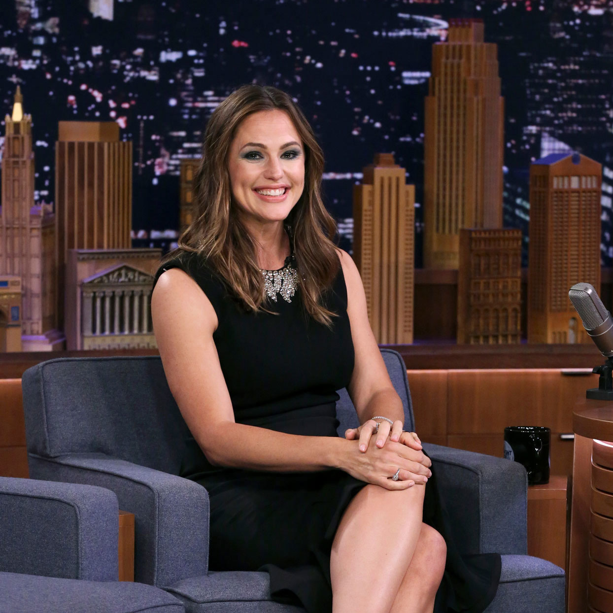 Jennifer Garner sitting in a chair at the Tonight Show