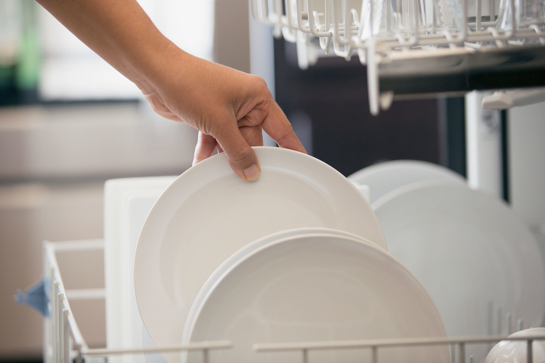 5 Mistakes You're (Probably) Making When Washing Dishes