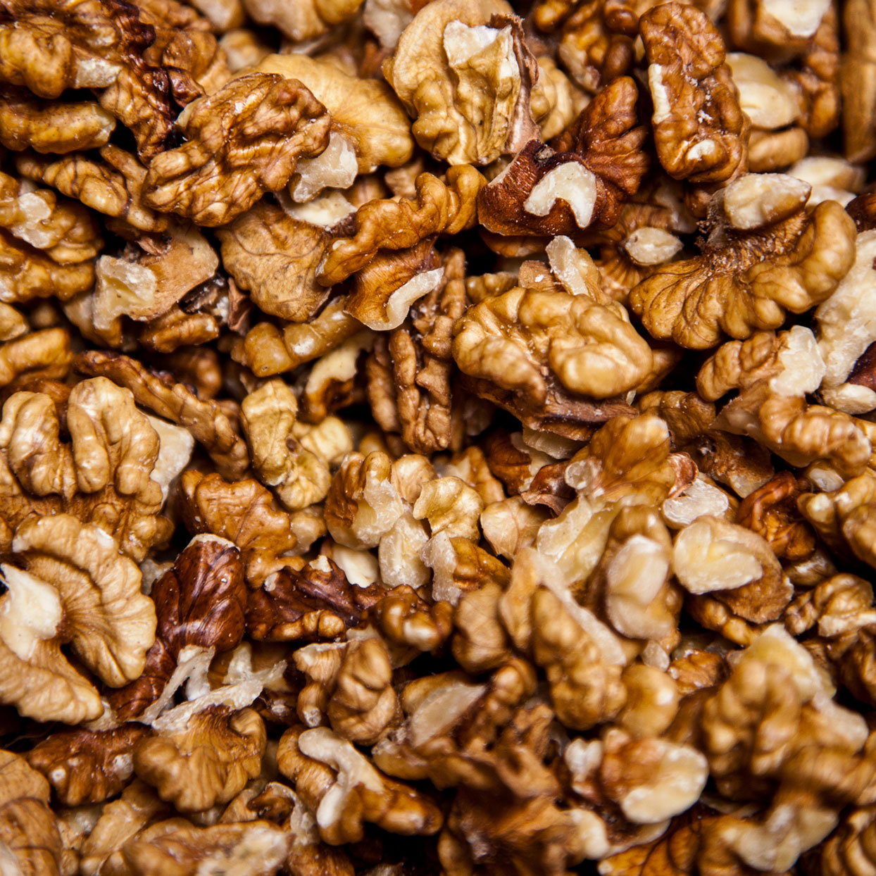 4 Impressive Health Benefits of Walnuts
