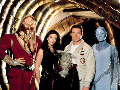 Farscape | (1999-2003, Sci Fi) Premise: Astronaut John Crichton (Ben Browder) is held captive on a spaceship manned by escaped prisoners — including a Klingonish warrior, a…