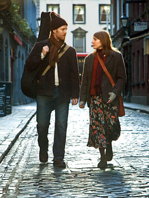 Once, Glen Hansard, ... | Glen Hansard buys Markéta Irglová a piano before he leaves to find his other true love in London in Once (2007).