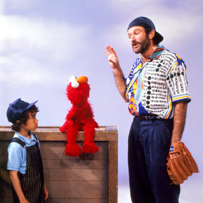 Robin Williams, Sesame Street | ROBIN WILLIAMS The funnyman, amazingly subdued here, talks about what things are alive, and how to tell if they are. Does it breathe, does it…