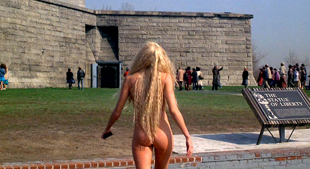 Daryl Hannah, Splash | in Splash (1984) If a woman who looked like Daryl Hannah circa 1984 was spotted wandering wet and naked around the base of the Statue…