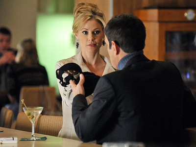 Modern Family, Julie Bowen, ... | Modern Family recap: Caught in the act Love was in the air last night, and each Family member had a different way of celebrating Cupid?s…