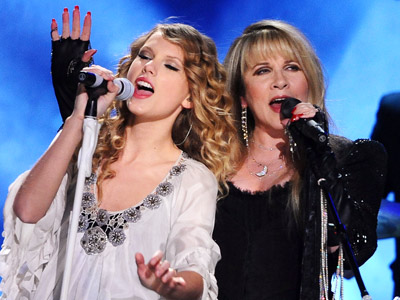 Taylor Swift | TAYLOR SWIFT and STEVIE NICKS For all her undeniable songwriting skills and relatable star power, Taylor has never been a powerhouse live vocalist. Her opening…