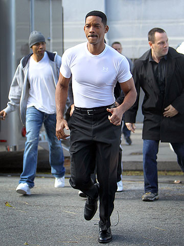 Will Smith's ready for action on the set of Men in Black 3 in Queens, N.Y.