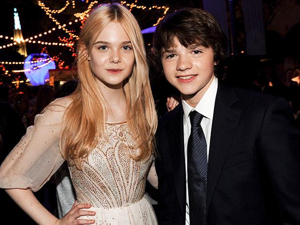 Elle Fanning and Joel Courtney