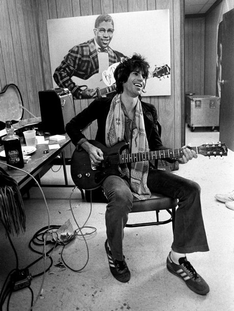 Keith Richards, The Rolling Stones | Lynn Goldsmith: ''The dressing rooms as well as the 'warm-up rooms' were always outfitted in a way that made each artist comfortable. Keith is the…