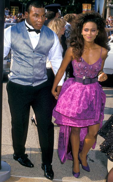 Robin Givens | Yep, you read that right, Givens is one of my faves. First of all, just consider the era. In her purple Gianni Versace number, the…