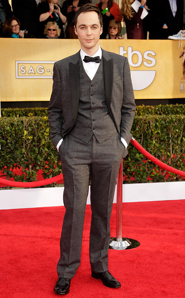 Style, Style: Red Carpet, ... | I'm usually a fan of Parsons' sartorial looks, but even Sheldon Cooper would agree that this black-lapelled charcoal suit is a little too eccentric. C