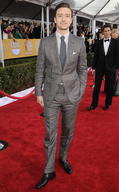 Style, Style: Red Carpet, ... | I liked the pattern on JT's suit, but he should have worn a larger size. I guess some men don't feel they have to follow…