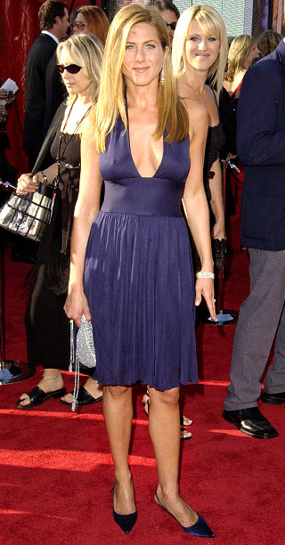 Style, Style: Red Carpet, ... | ''Jennifer was looking for something hot and sexy,'' Elizabeth Mason of L.A.'s Paper Bag Princess boutique said of the normally demure Aniston's decision to wear…