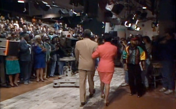 At the end of its eight-year run, The Cosby Show 's two-part farewell — which added up to its 200th and 201st eps, respectively —…