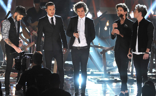 One Direction, American Music Awards 2013 | One Direction took the class factor up a few notches, singing the vaguely neo-folky ''Story of My Life'' in sleek black outfits, although they at…