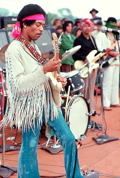 On the final day of the definitive rock weekend of the '60s countercultural revolution, Jimi Hendrix woke up the crowd at Woodstock with a blistering…