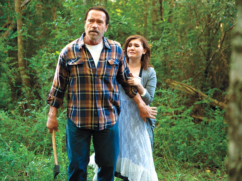 Arnold Schwarzenegger and Abigail Breslin in Maggie