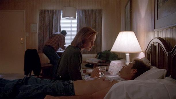 Scully Shoots Mulder (Season 2, Episode 25)