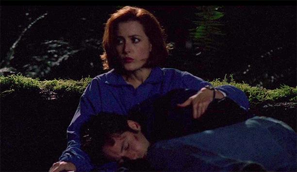 Scully Builds a Campfire (Season 5, Episode 4)