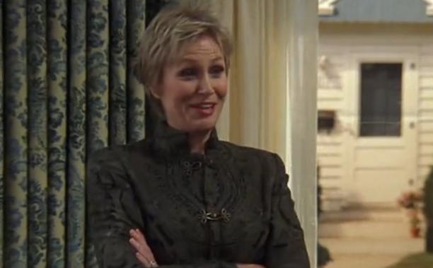 Jane Lynch (Ellen)