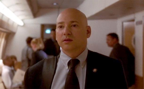 Evan Handler (Douglas Wegland)