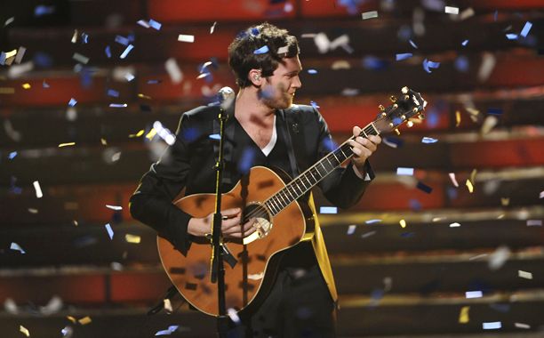 Critics complained when Phillips became Idol 's fifth ''white guy with guitar'' winner in a row, but the gravel-voiced Georgia boy proved himself a bigger…