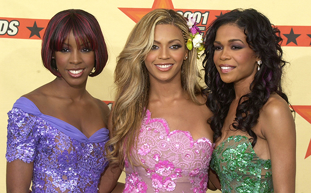 Kelly Rowland, Beyonce Knowles, and Michelle WIlliams at the 2001 MTV Movie Awards