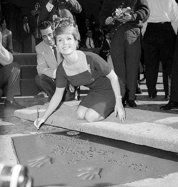 Debbie Reynolds at the Grauman's Chinese Theater on January 19, 1965