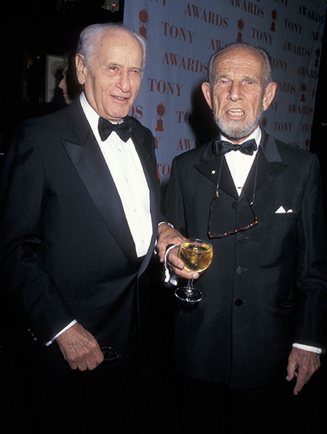 Presenters Eli Wallach and Hume Cronyn