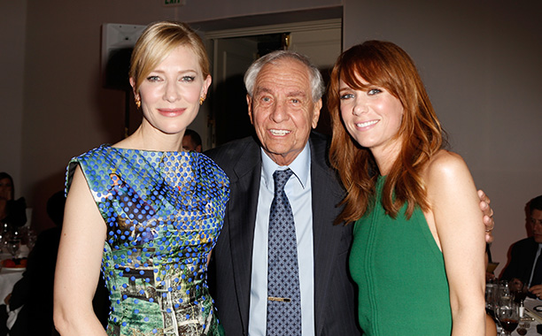 Garry Marshall With Cate Blanchett and Kristen Wiig at ELLE's 19th Annual Women In Hollywood Celebration on October 15, 2012