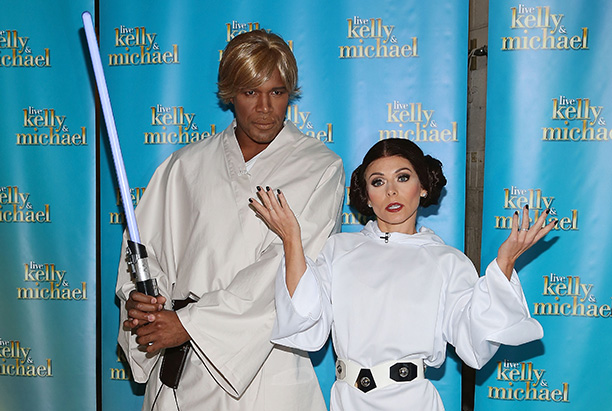 Michael Strahan as Luke Skywalker and Kelly Ripa as Princess Leia