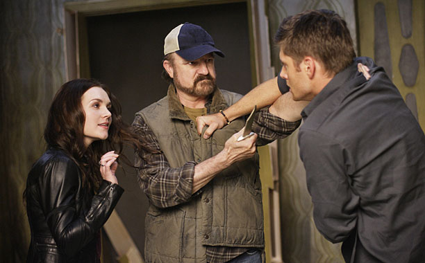 Season 5, episode 1 Now that Lucifer has been freed, Sam and Dean are in a bit of a rut. Cas has apparently been killed,…