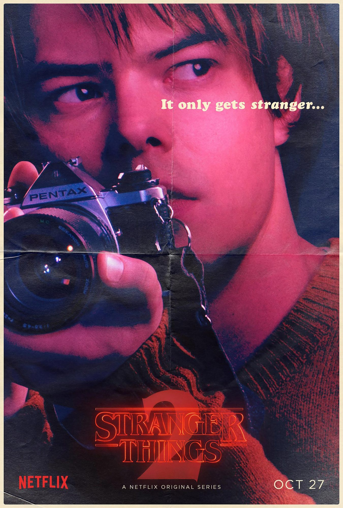 Stranger Things Season 2 - Charlie Heaton CR: Netflix